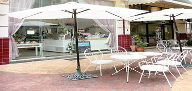 Silom Road, chic shop