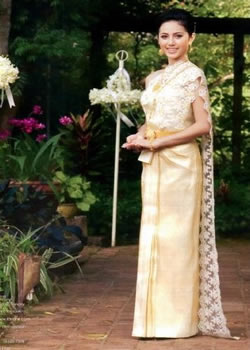 Thai Chakkri Dress