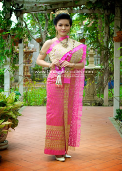 Thai Chakkrabhat Dress