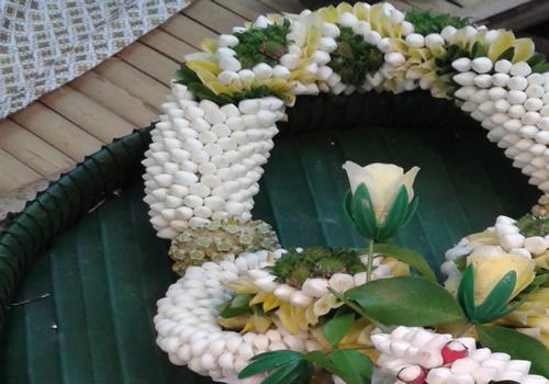 Tua Malai or garland's body